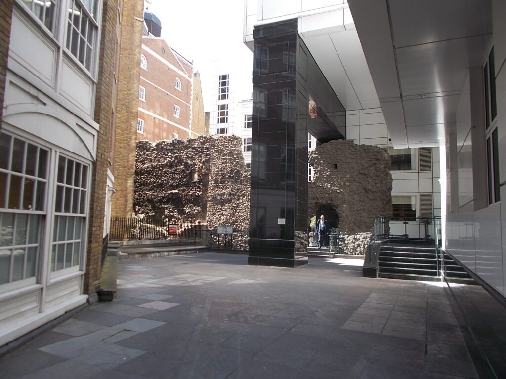The London Wall, with Coopers row behind in May 2019